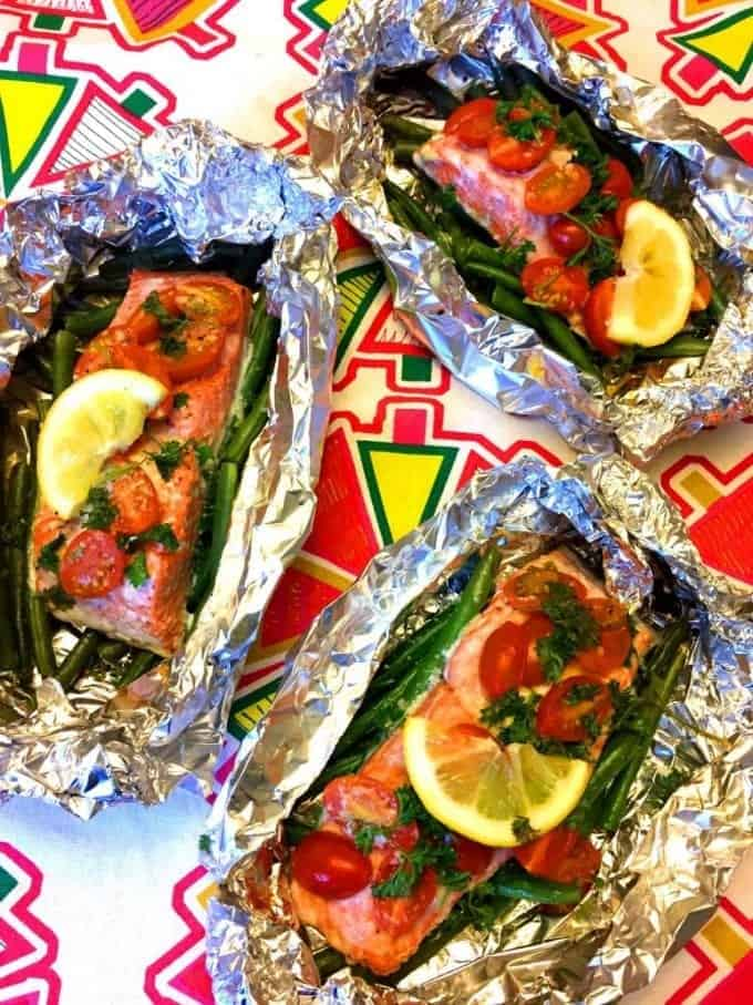 grilled salmon and vegetables foil packet meal