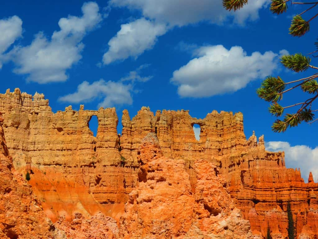 Peek-a-boo loop in Bryce Canyon National Park