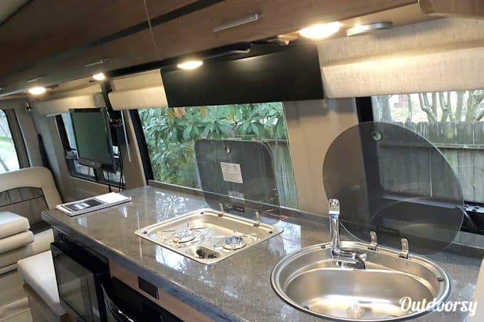 class b rv rental houston