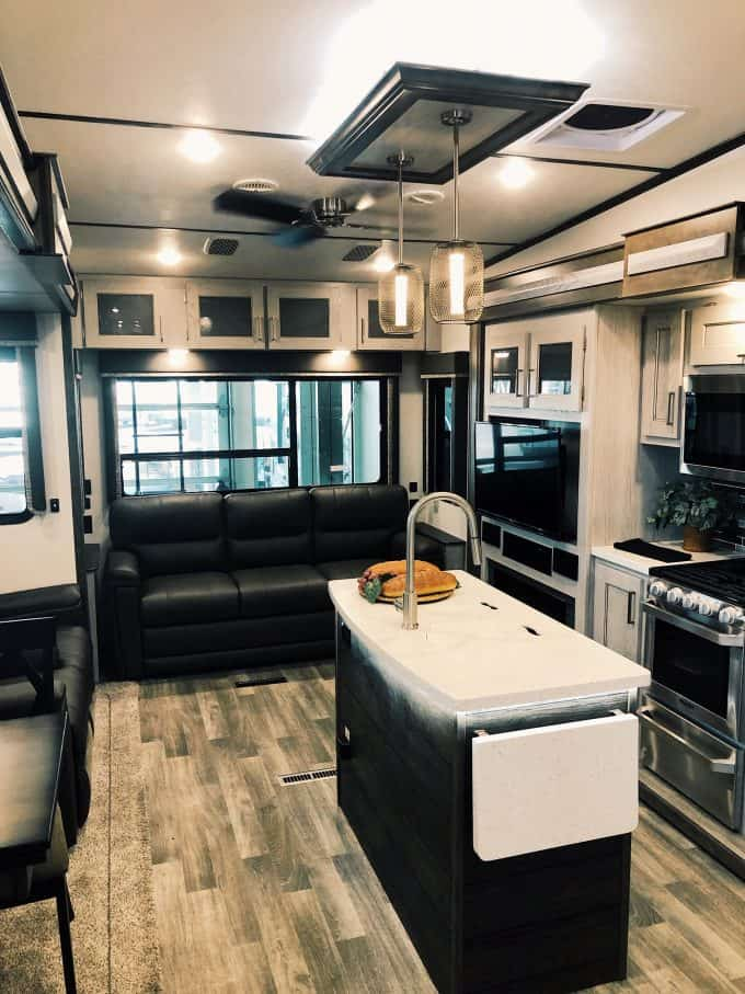 2020 Keystone Montana High Country 295RL Fifth Wheel: Everything You Need to Know