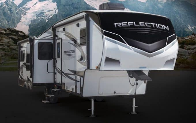 Reflection Fifth Wheel Exterior