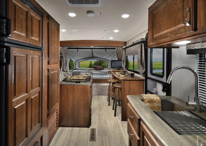 Palomino SolAire eXpandable Hybrid Camper