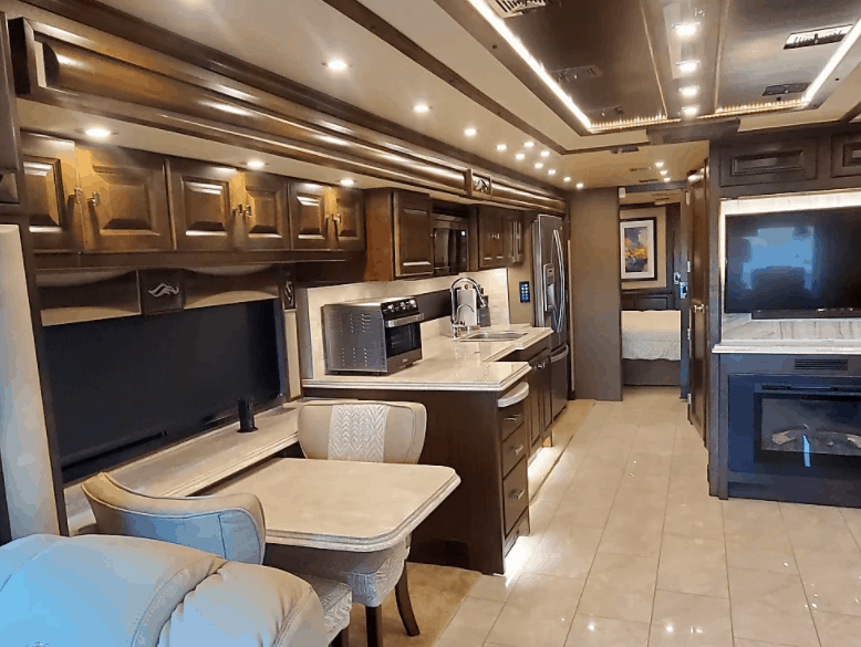 Luxury Tiffin RV Rental