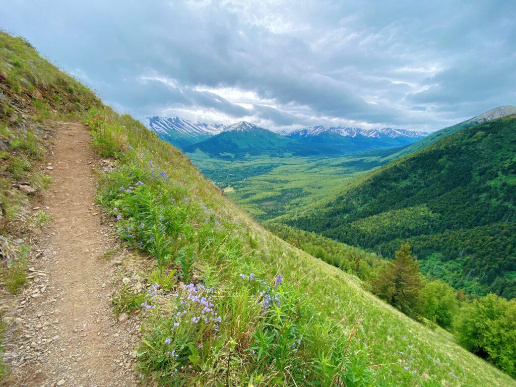 Hope Alaska, a must stop off the Seward Highway